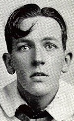 picture of Noel Coward in the early 1920s